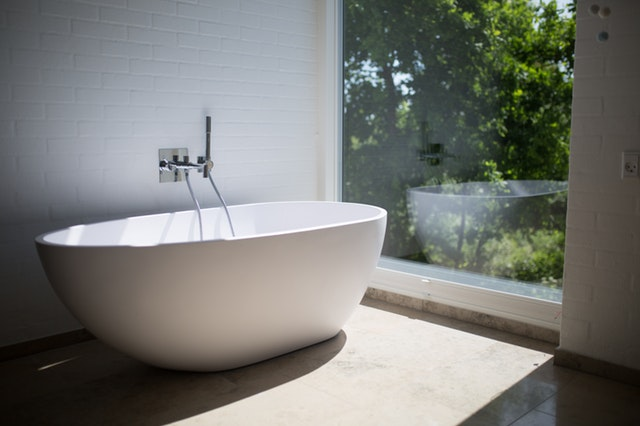 architecture-bathroom-bathtub-1358912